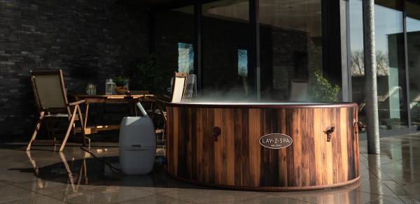 Autumn Hot Tub Maintenance Top Tips