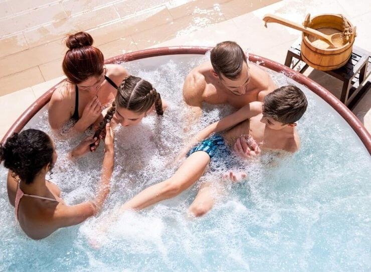 airjet hot tub