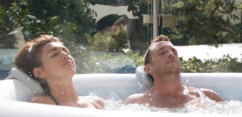 hot tubs help with aches and pains