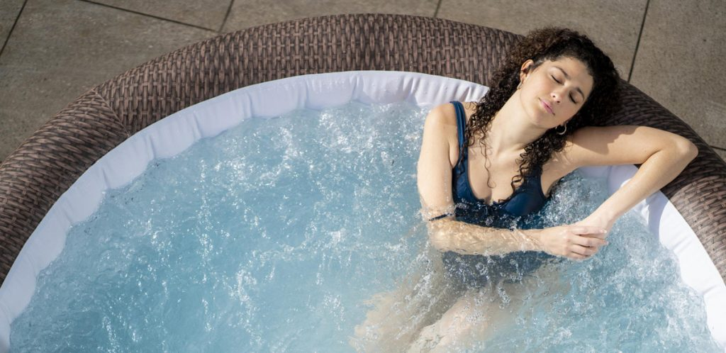 Why runners should use a hot tub