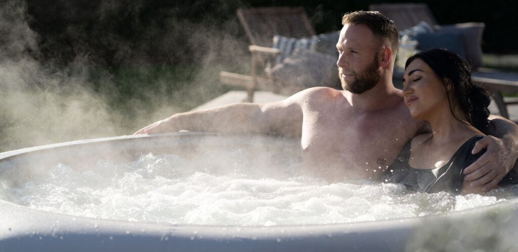 Want to know how to look after your Lay-Z-Spa in Winter? Here are our tips and advice for using your inflatable hot tub in winter.